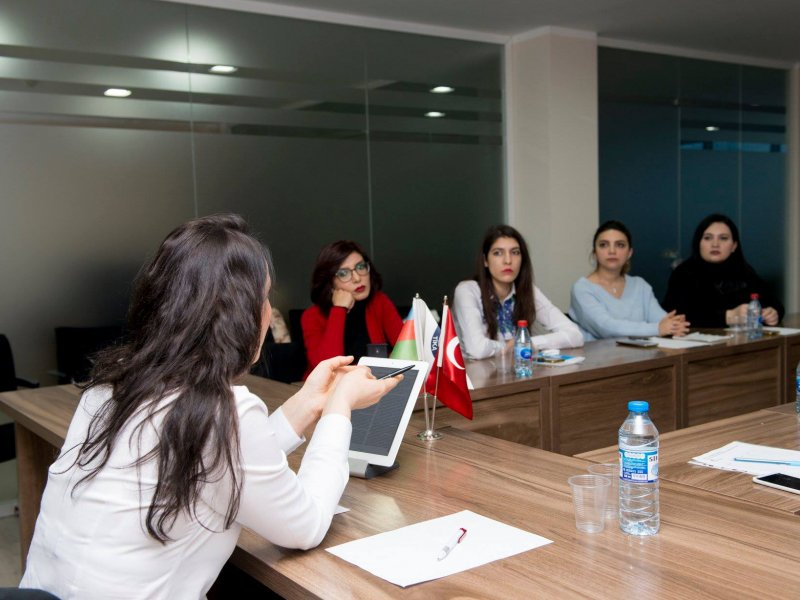 """Seminar: """"Normal və xüsusi diqqət tələb edən uşaqlara tibbi qulluğun təşkili"""""""